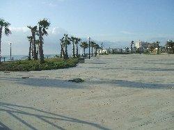 flamenca beach promenade