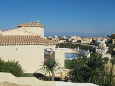 Villa to rent in costa blanca cumbre del sol photo album for Beneden tuin