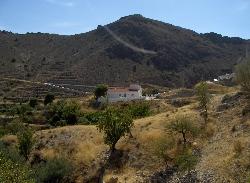 Mountainous setting of the casa