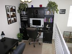 Full media centre, computer &  Wi Fi