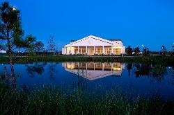 Golf Club House w/restaurant