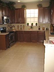 Full kitchen - dishwasher + laundry