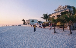 Fort Myers beach - short drive away!!