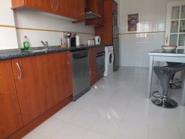 Apartment to rent in duquesa estepona nr marbella for Kitchen room estepona