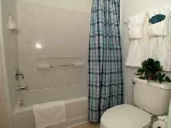 Ensuite Bathroom to Bedroom 2