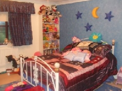 Children's bedroom 2