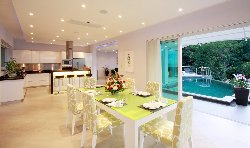 Villa SomeDay Dining