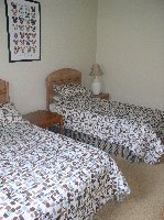 Twin bedroom, sleeps 3