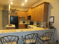 Fully equiped Kitchen with Breakfast Bar