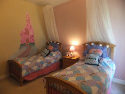 Princess Themed twin bedroom with TV&DVD