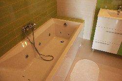 Family Bathroom & Jacuzzi Bath