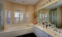 Master Suite 1's Bathroom