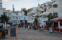 Restaurants near the beach in Olhos