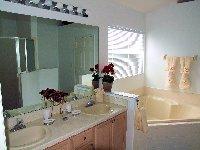 Master Bedroom 1 - En-suite Bathroom