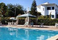 Large pool (12 x 6m)