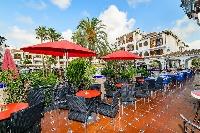 Many Bars and Restaurants Onsite