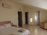 Top Floor Bedroom 2,wardrobe & storeroom