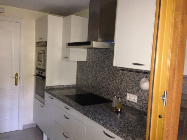 Apartment to rent in estepona costa del sol andalucia for Kitchen room estepona