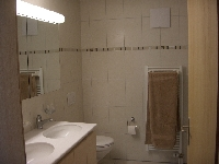 Main Bathroom:there's also a shower room