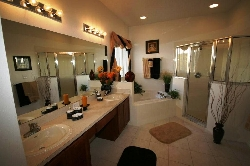 King Master bathroom 1