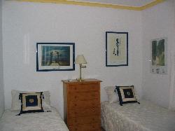 Top Apartment Twin Bedroom