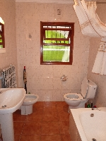 Family Bathroom on the main upper level