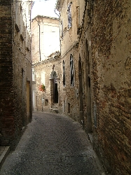 One of the typical streets in Penne