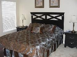 Queen Bedroom - ensuite