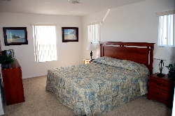 Master Suite 2 -King-Size bed & en-suite