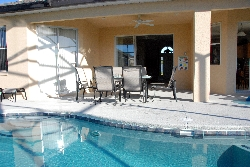 Lanai & luxury pool furniture