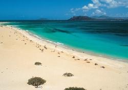 BEAUTIFUL BEACH 5 MINS AWAY....