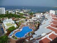 Close to beach, port & amenities