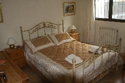 King Bed 3 (Upper)