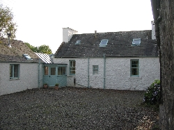 Cottage courtyard at Carsebuie